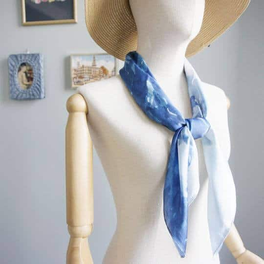 into-the-woods-blue-jai-scarf-women-fashion-3